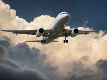 aircraft-jet-landing-cloud-46148.jpeg
